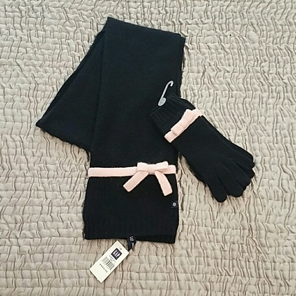 GAP Accessories - Gap scarf and gloves